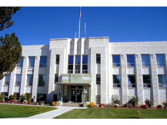 Washington County Courthouse  Weiser image