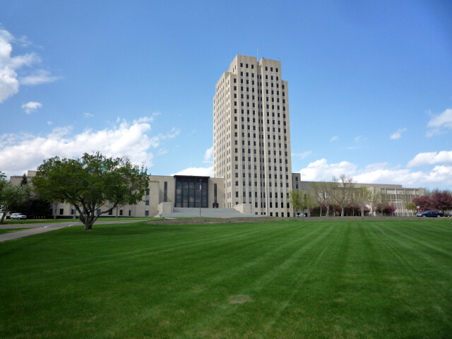 2009-0521-ND-StateCapitol image