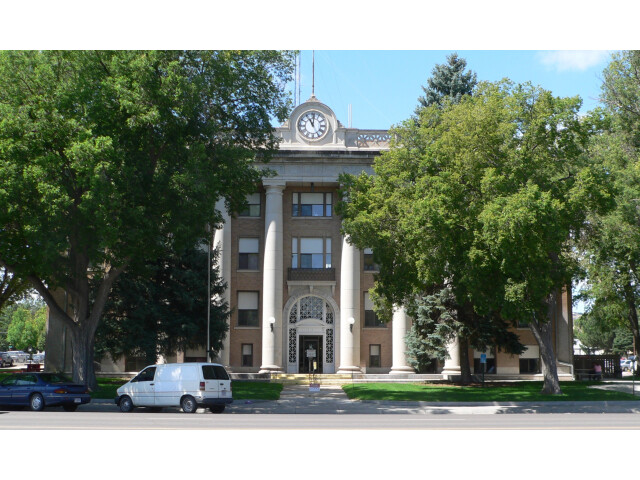 Scotts Bluff County courthouse from E 1 image