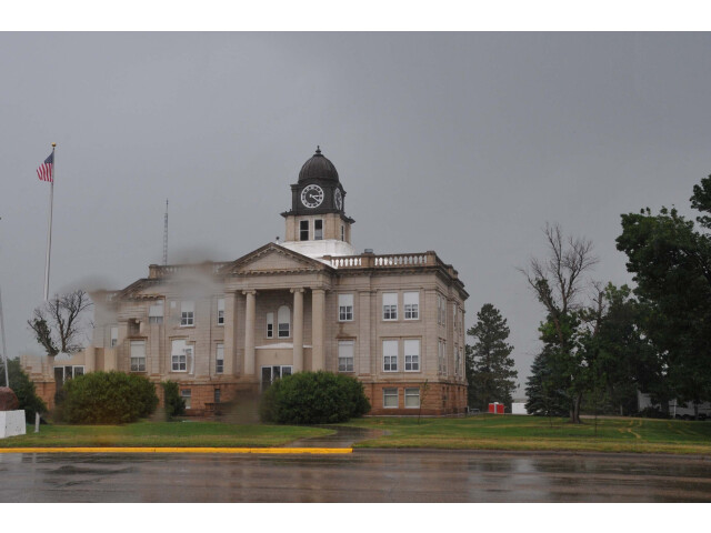 SULLY COUNTY COURTHOUSE  ONIDA  SD image