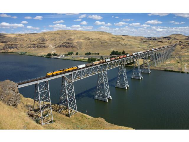 UP EMD SD9043AC Joso Bridge  USA image