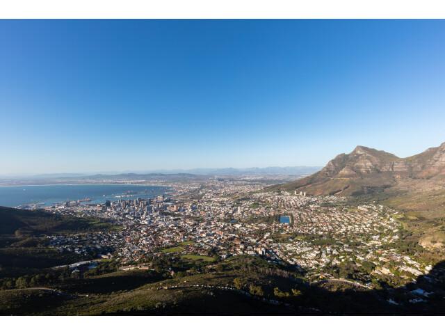 Ciudad del Cabo desde Cabeza de Le%C3%B3n  Sud%C3%A1frica  2018-07-22  DD 34 image
